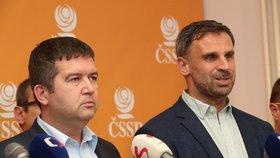 """Zimola couvá? Do voleb půjde v """"triku"""" ČSSD, tvrdí Hamáček. Exhejtman domluvu popírá"""