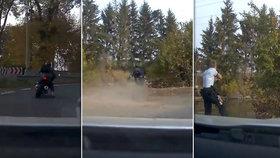 Motorkář u Brandýsa ujížděl až 160 km/h: Nevybral zatáčku a skončil v rybníce