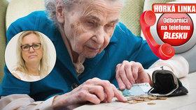 O kolik se mi zvýší důchod? A můžu si jako invalida přivydělat? Odborníci odpovídali na Horké lince Blesku