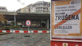 Podepření mostu na Vltavské: Vydrží pár let a pak ho zbourají! Proč musí k zemi?