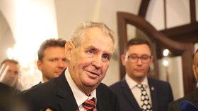 Lež o Zemanově rakovině: Ministr Kněžínek se za prezidenta bije u soudu