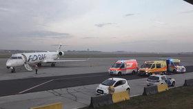 Nouzové přistání v Budapešti: Holčička (†4) zemřela za letu přímo na palubě letadla