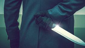 Krvavý víkend v Anglii: Stoupá počet útoků s noži. Dívku a chlapce ubodali