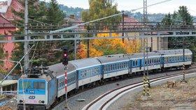 Porucha na kolejích: Mezi Prahou a Berounem nejezdily vlaky, omezení potrvá do odpoledne