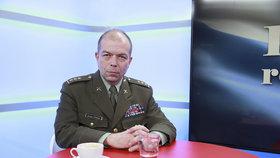 Tvář české vojenské historie Stehlík má skončit. Babiš chce rozhodnutí ministerstva zvrátit