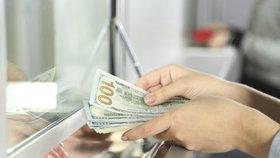 Problémových směnáren v Česku ubývá. Počet stížností loni klesl na polovinu