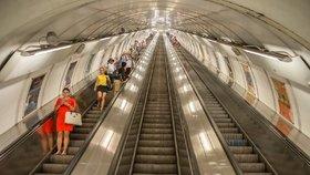 Několikaletý spor ukončil soud. Reklamní vitríny v metru bude provozovat nová firma