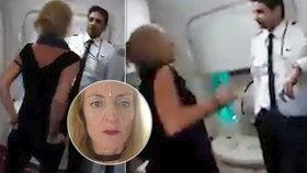 Opilá právnička napadla posádku letadla. Spustila rasistické nadávky a výhrůžky