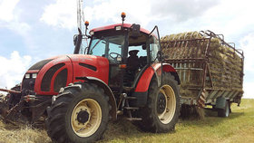 Jede traktor, je to Zetor, jede do hor orat...rýži!  Zeměkouli brázdí 1,3 mil. traktorů