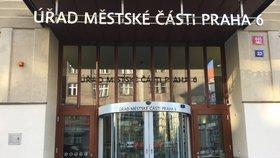 Praha 6 ocenila významné osobnosti: Čestná občanství získali výtvarník, architekt nebo vědec