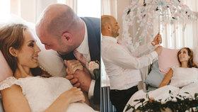 """Dojemné svatební foto: Snoubenci si řekli """"ano"""" v nemocnici. Nevěsta poté zemřela"""