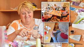 Cítím se být ještě potřebná! Broňa (73) pomáhá každé úterý v domově důchodců ve Slivenci. Proč?
