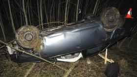 Předvánoční tragédie na silnicích: Zemřeli řidička (†40) i stařík (†89)