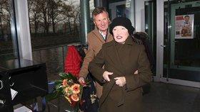 Hana Maciuchová vedle svého doktora jen kvete! Je to sen každé ženy