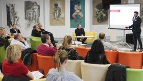 Západočeská univerzita pomůže studentům s prací: Poradí při podnikání i v zaměstnání