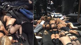 Policie vtrhla do sado-maso sex klubu. Prý byl ilegální. Dámy ve spodním prádle ležely obličeji k zemi