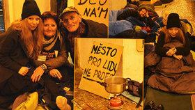 Bezdomovcem na vlastní kůži: Usínání na Staromáku s kartonem pod sebou