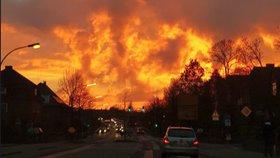 Muž si spletl západ slunce s požárem. Kvůli rudé obloze zavolal celou brigádu hasičů
