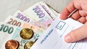 Experti vypočítali mzdu, za kterou se dá důstojně žít. Půlka Čechů si o ní může jen nechat zdát