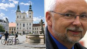 Exstarosta Uherského Hradiště (†68) podlehl těžké nemoci. Město vedl v barvách ODS