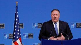 Američané tlačí na Rusy kvůli smlouvě o likvidaci raket. Moskva se jí prý neřídí