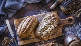 Starý chleba rozhodně nevyhazujte. Vyřeší nehody v kuchyni i jinde!