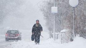 Na severu Čech bude silně sněžit, jihu hrozí záplavy. Moravu zasáhne vítr