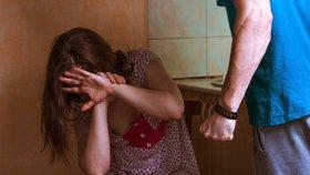 Zdeněk před 25 lety týral a bil manželku i nezletilé dcery, teď přišel trest