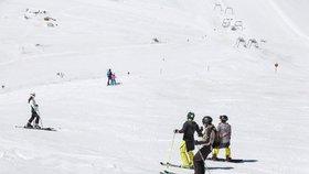 Českého lyžaře (†41) v Alpách zabila lavina. Umíral pod metrem a půl sněhu