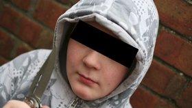 Školáci se na Karlovarsku porvali na nože! Jeden druhého bodl do zad