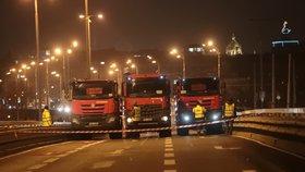 Na most v Bubenské se vrátí osobní auta: Ještě pár let vydrží, pak půjde k zemi