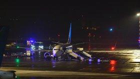 Bomba na palubě letadla letícího do Prahy? Kapitán zalarmoval policii