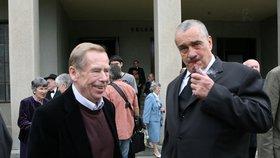 Schwarzenberg se rozplakal při vzpomínce na Havla. Vondra: Kydá se na něj hnůj