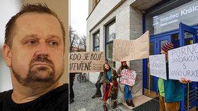 Kauza, která hýbe Českým rozhlasem: V Hradci protestují kvůli vyhazovu šéfa Vltavy