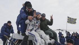 Mise splněna: Kosmonauti z ISS se vrátili na Zemi