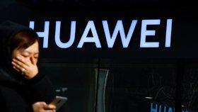 """Američané si """"došlápli"""" na Huawei. """"Snažil se krást cenná obchodní tajemství"""", tvrdí FBI"""