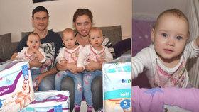 Přemýšlivá, energická a usměvavá: Trojčata Ella, Emma a Anna oslavila první rok