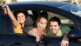 Romeo (15) svezl Julii (15): Bez řidičáku brázdil ulice Zlína