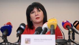 """Zůstane Čechům víc peněz? Schillerová chystá """"ambiciózní"""" návrh na nižší daně"""