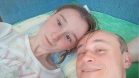 Iva (19) z Výměny, která žije s Marianem (47): Kravičky, mám vás u zadku, vzkázala kritičkám