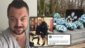 Kočkův hrob na jeho narozeniny zaplavily umělé růže: Vzpomínají na něj i na sociálních sítích