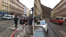 Změny na Újezdu: Auta budou jezdit za tramvajemi. Praha 1 plánuje zklidnění dopravy i jinde
