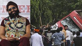 Vousatý guru znásilňoval ženy a vraždil novináře: Do ulic ho přišly podpořit desítky tisíc přívrženců