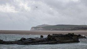 Neobvyklá turistická atrakce: U břehů Francie se objevil vrak německé ponorky!