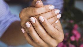 Nejčastější chyby, které děláte při manikúře. Ničíte si nehty!