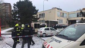 Ohnivé peklo v Kamýku: Vzplál karavan, uvnitř našli mrtvého muže