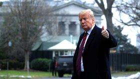 """""""Je to méně než 50 na 50."""" Trump nevěří, že se dohodne s demokraty, na zdi trvá"""