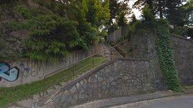 Schodiště v Braníku je v nevyhovujícím stavu. Opravy potrvají do roku 2020
