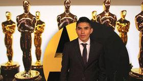 Další skandál na Oscarech: Nominovaný herec z filmu Roma se na předávání cen nedostane!