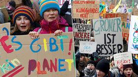 """Tisíce německých dětí vyrazily """"za školu"""". Protestují proti uhlí"""